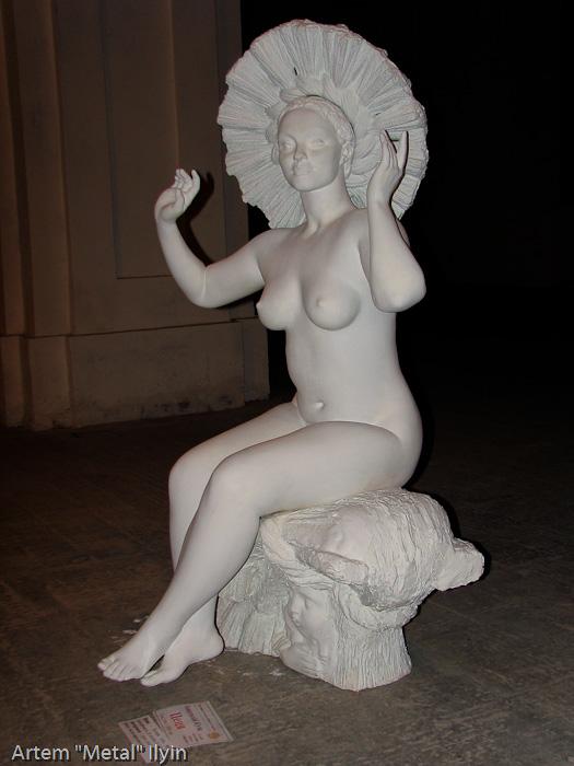Мыстецкий Арсенал. Обнаженная женская скульптура