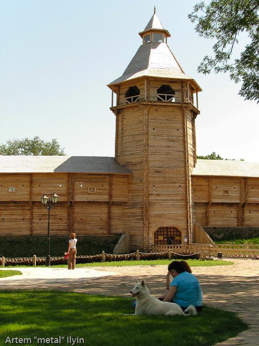 Цитадель - деревянные стены и башни, Черниговская область Батурин, город-музей