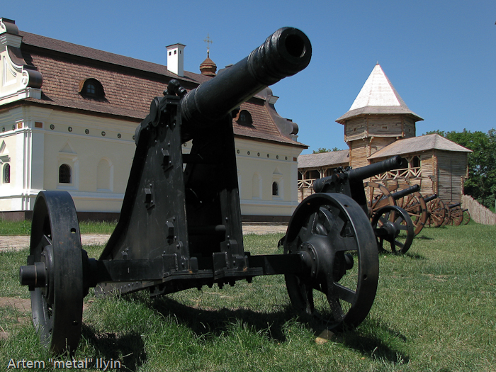 Пушки отлиты из чугуна в современной Украине, Черниговская область Батурин, город-музей