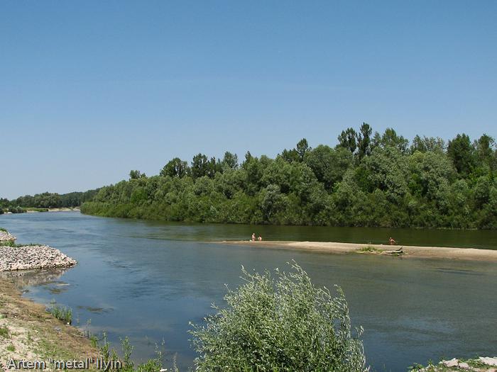 Река Сейм и пляж около дворца Разумовского, Черниговская область Батурин, город-музей