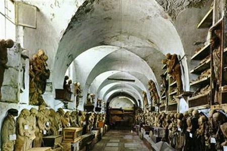 Музей мертвецов в Палермо.