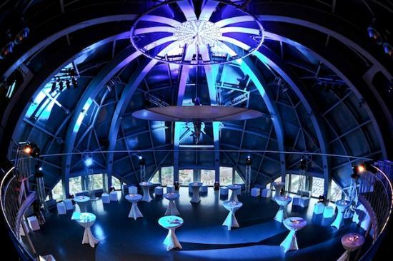 Atomium inside2