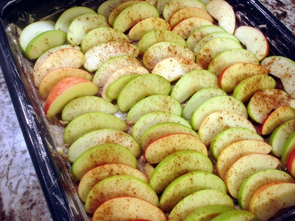 Easy Apple Pie Setting Apples