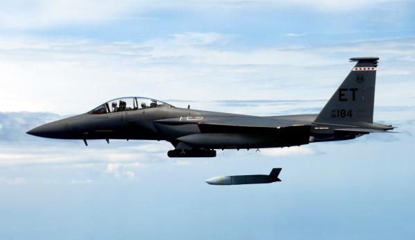 F-15E-JASSM-launch-flight-test