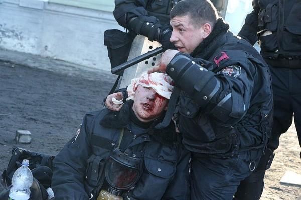 Беркут, после общения с мирными протестующими