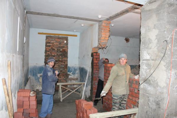 Кладка стены, 4 октября 2012 г.