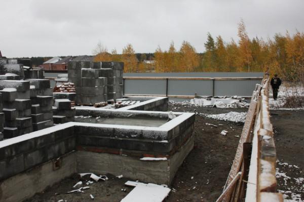 Полным ходом идёт строительство, 4 октября 2012 г.