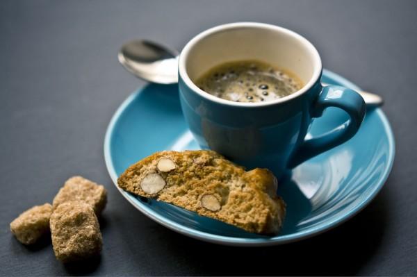Кофе с бисквитом