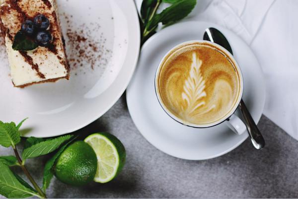 Кофе и торт