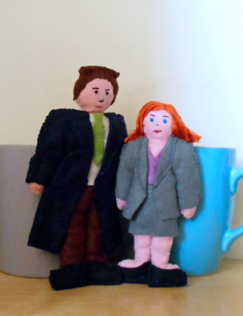 Plushie Mulder and Plushie Scully!