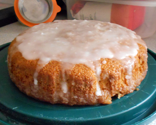 A whole gin and tonic cake