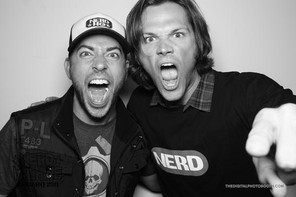 Jared-Zachary-Levi-at-Nerd-HQ-Comic-Con-2011-jared-padalecki-24066459-600-399