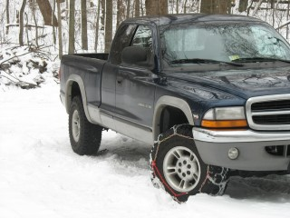 Here is the truck... with snow chains!