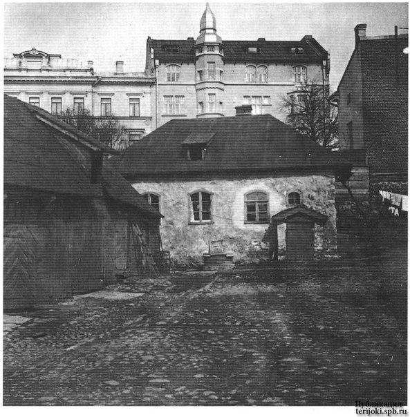 СредневековыйДом_002_1920