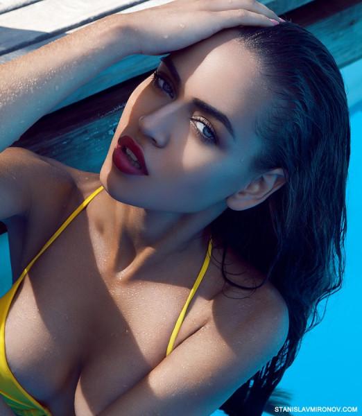 фото моделей в бассейне