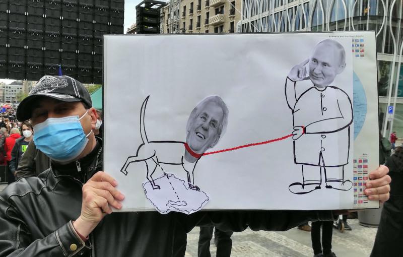 Путин и Земан. Плакатов такого типа полно.