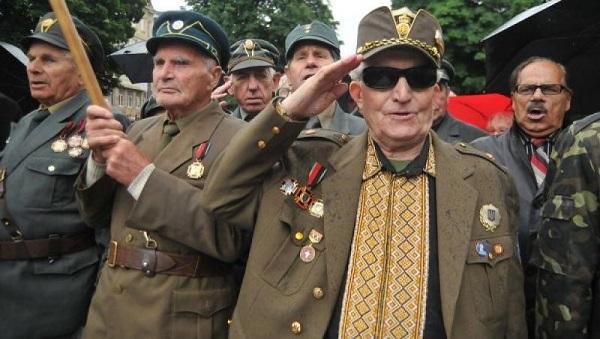 Лихачёв - когда совестью нации назначают стукачей/предателей, общество становится тюремной камерой