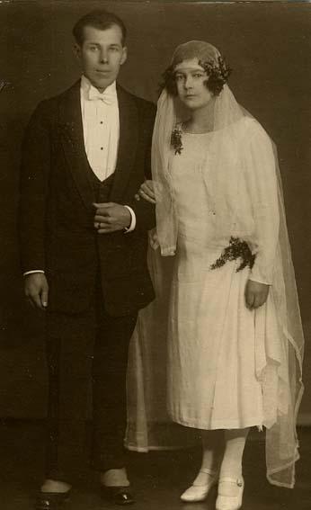 96ce60f4093 Свадебная мода в Латвии в 1920-30-х годах  renatar