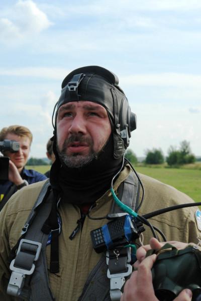 Станислав Федоров за несколько минут до старта в стратосферу