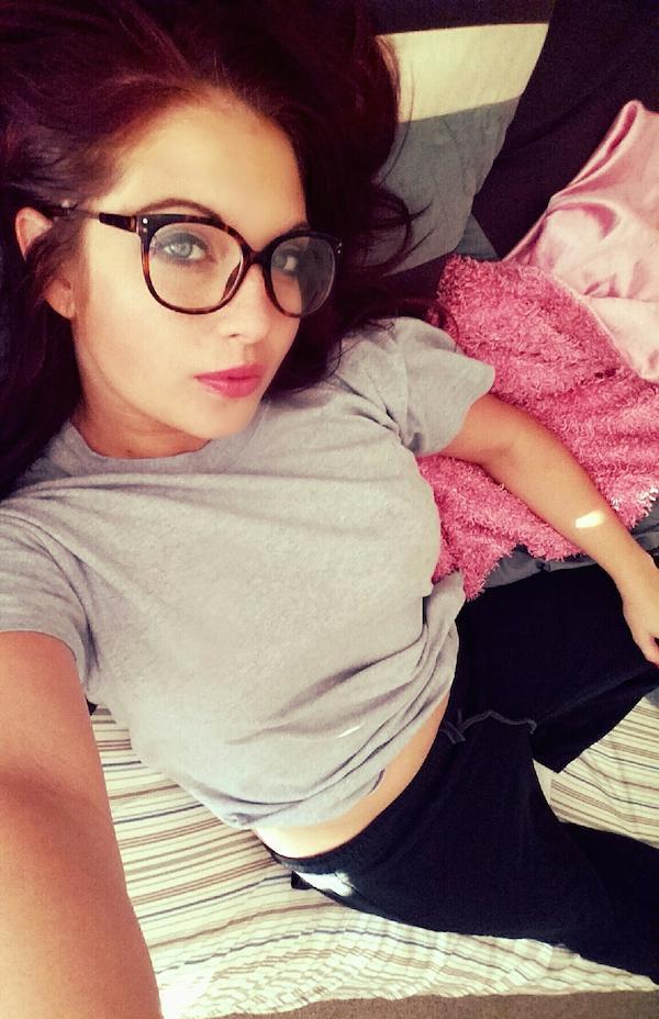 Glasses girl-017