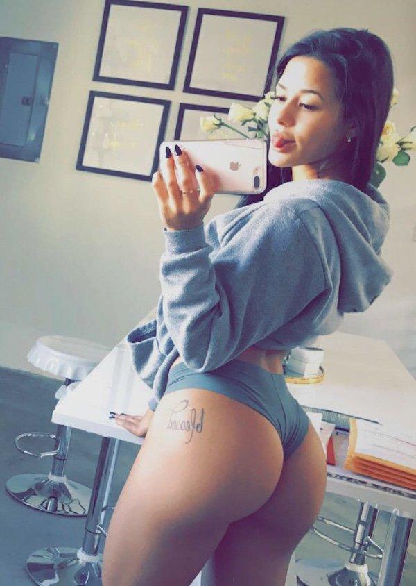Sexy_selfie_8