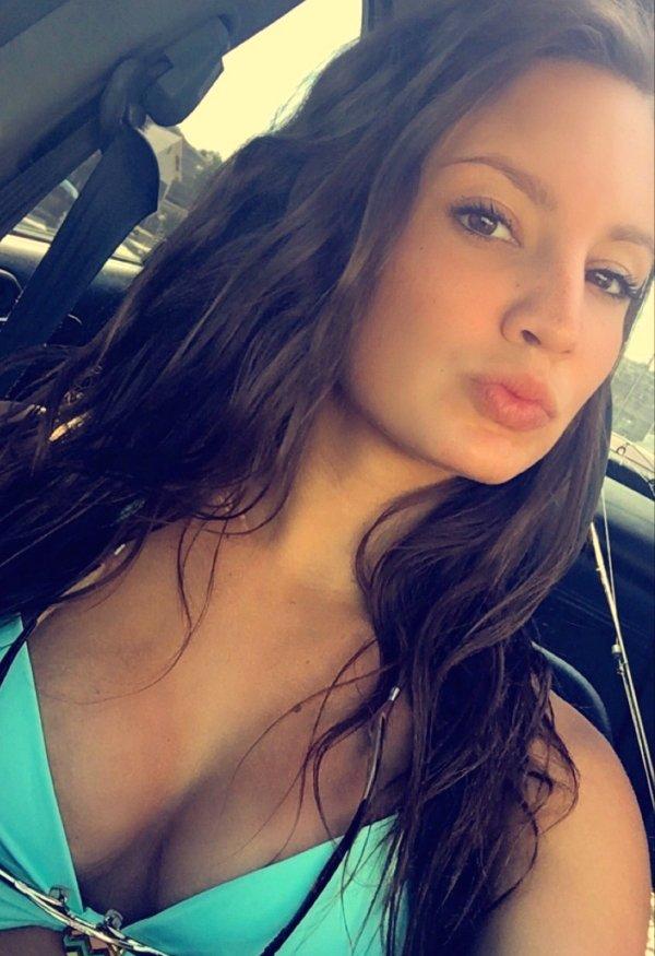 Selfie looks 18
