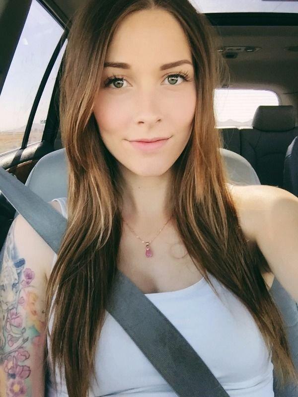 Selfie looks 34