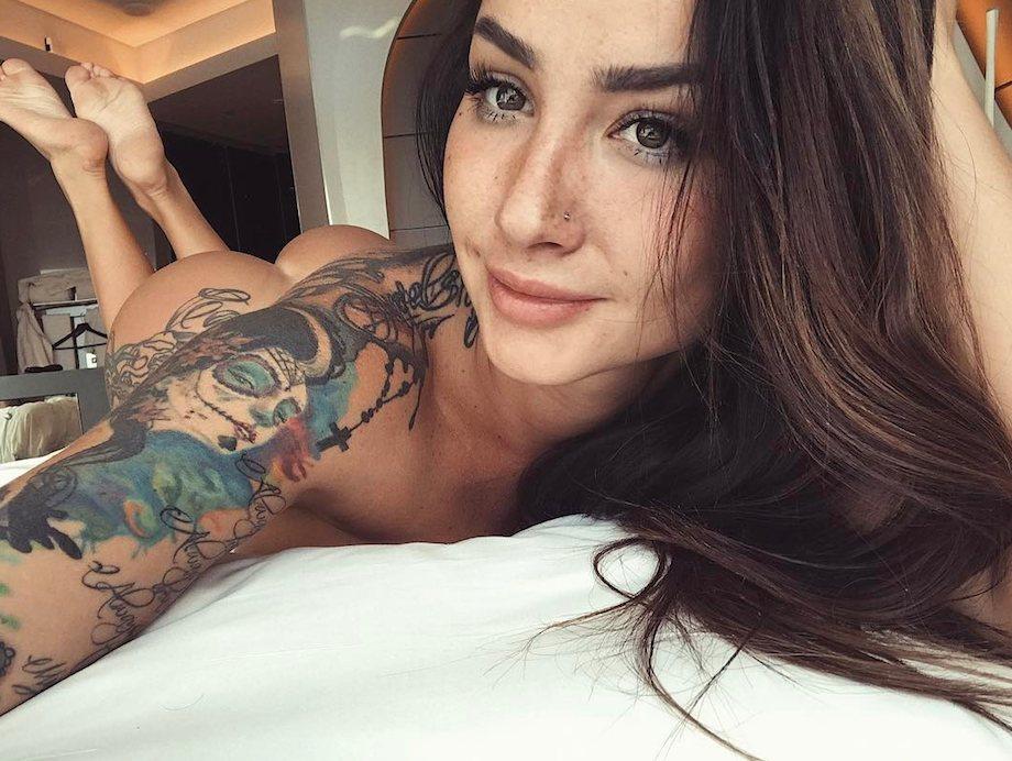 Selfie sexy looks 27