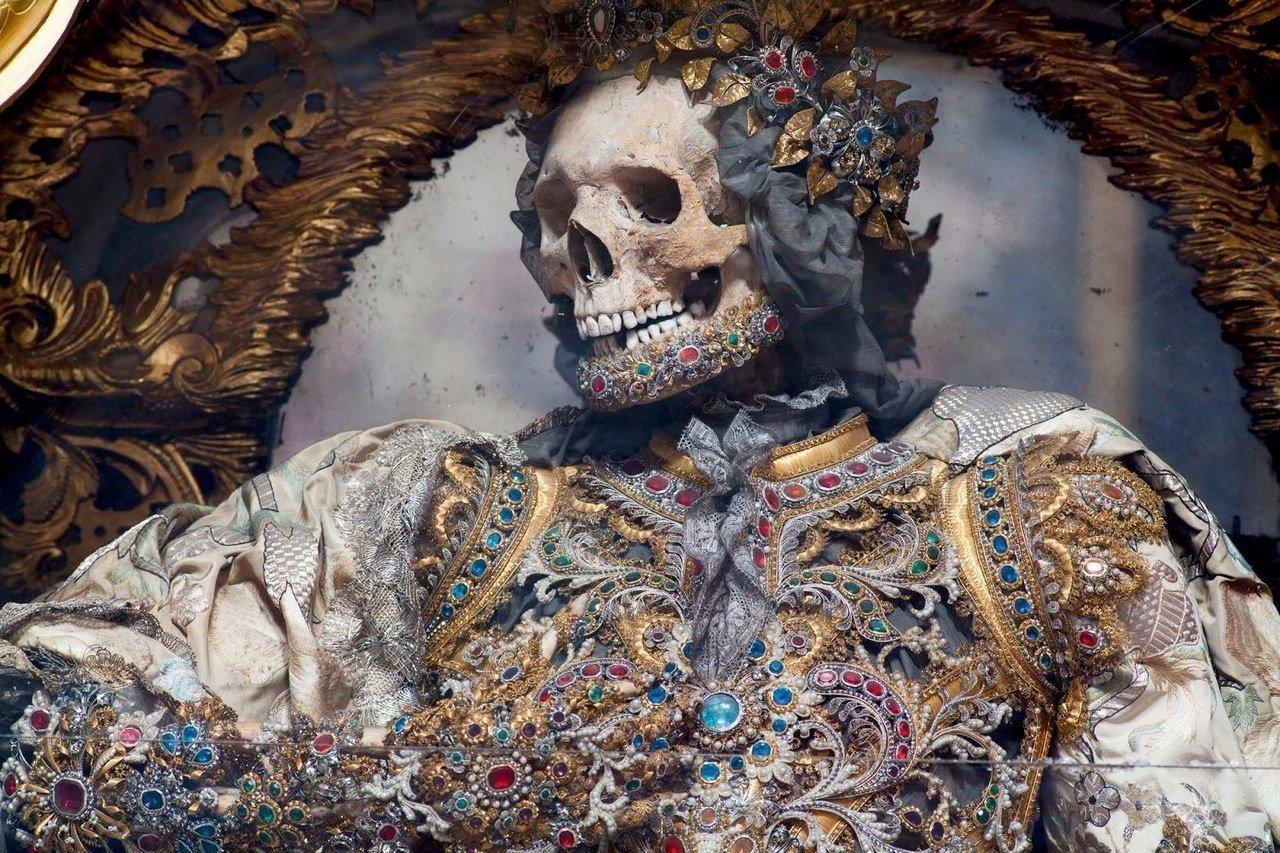 Скелет, найденный в катакомбах Рима