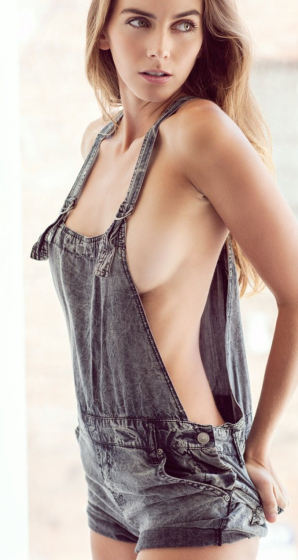wearing-overalls-topless-naked-voyer-beach-nudetures