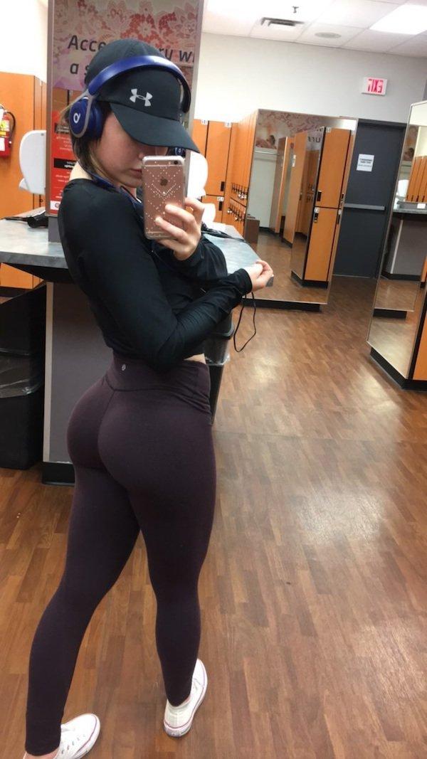 Ass_PARADE_10