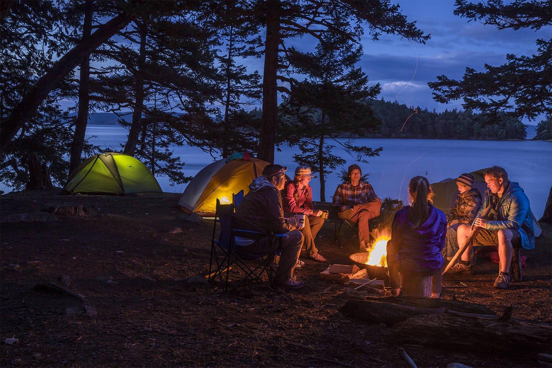 Днем рождения, картинки отдых на природе с палатками возле реки