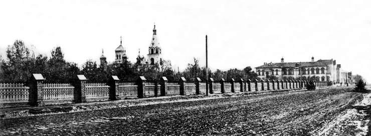 Покровский сад и Покровская церковь. 1900