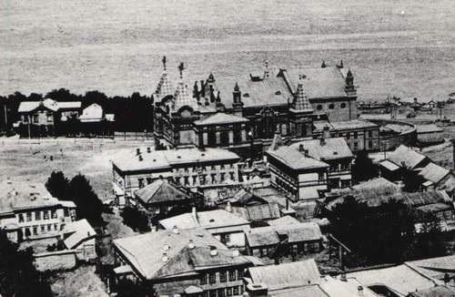 2.Площадь перед драмтеатром ~1910