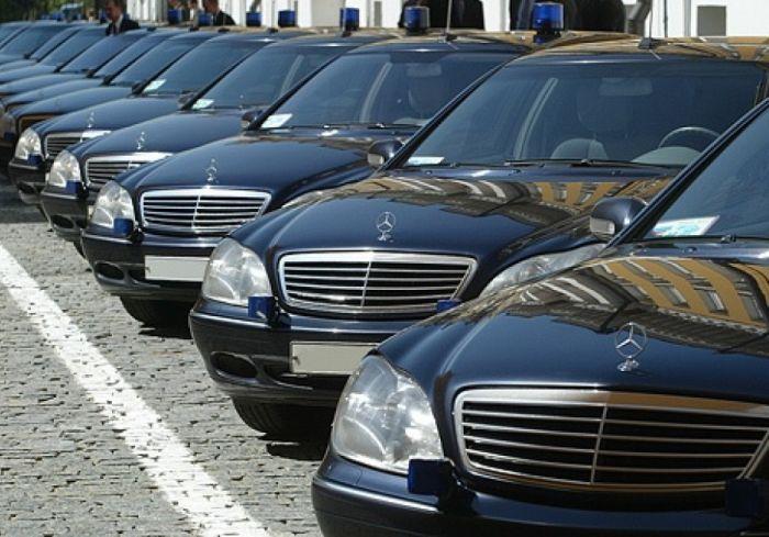 Автомобили чиновкников