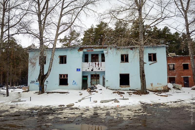 Лесопарковая, 2-б - недействующая лыжная база. Источник - https://chelchel-ru.livejournal.com/1339208.html#t13907784