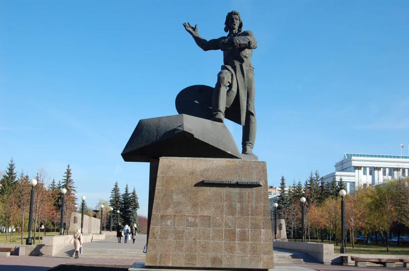 Памятник танкистам-добровольцам, источник: http://radiochel.ru/1_chel.files/foto.files/2016.files/t1.jpg