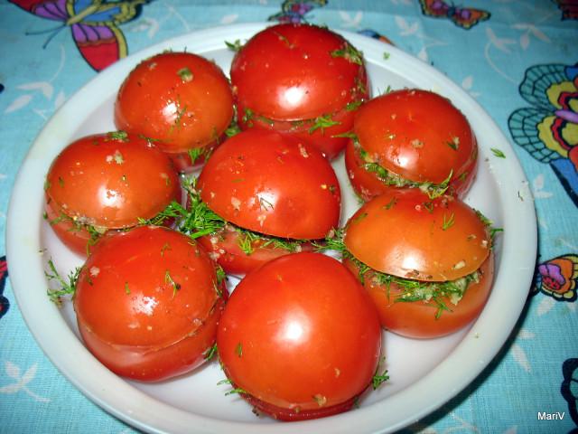 Малосольные огурцы и помидоры без рассола