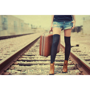 girl,railroad,toned,fashion,railway-484dad3cb757e309cc5a54fb9e838b91_h
