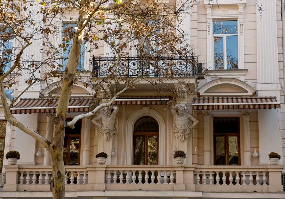Тот же дом и те же балконы похоже на