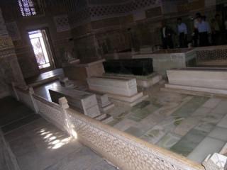 Надгробная плита тамерлана иванова памятники фото