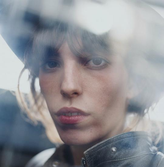 3201 Lou Doillon Photo by Antoine Le Grand