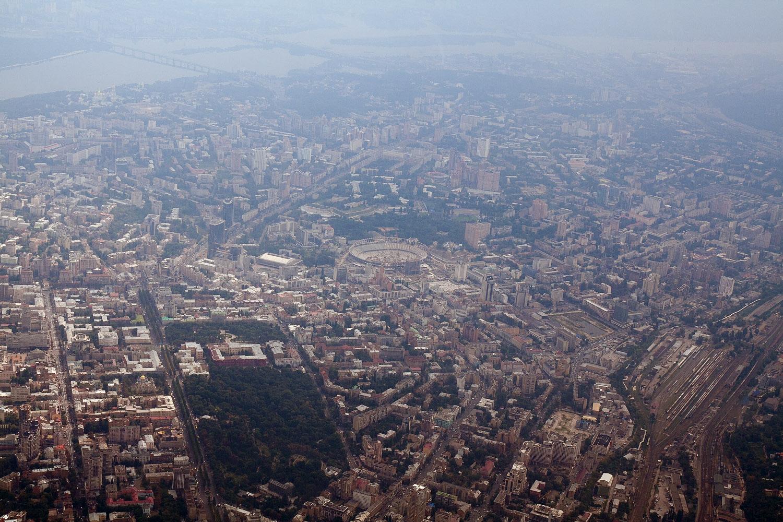 """Вокруг стадиона  """"Олимпийский """" в Столице аномально растут цены на квартиры."""