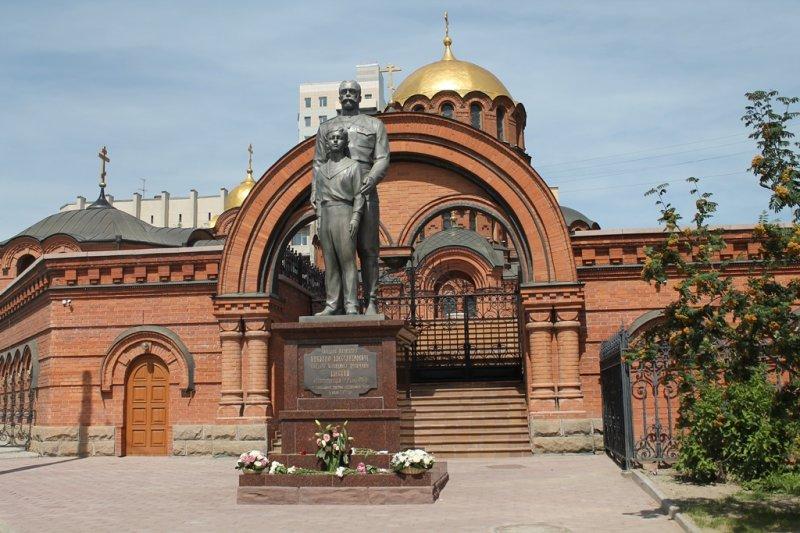 Николай памятник в Новосибирске