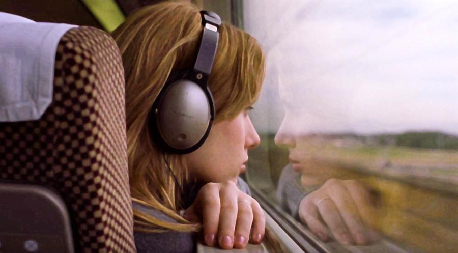 Картинка анимация мужчина слушает музыку