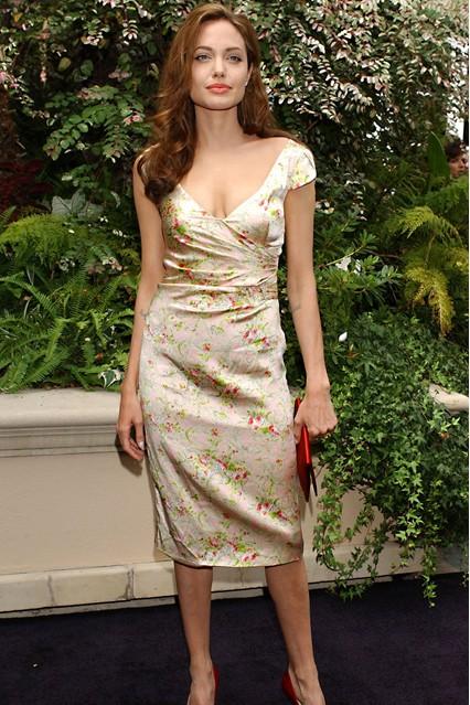 angelina jolie en robe de soiree la mode des robes de france. Black Bedroom Furniture Sets. Home Design Ideas