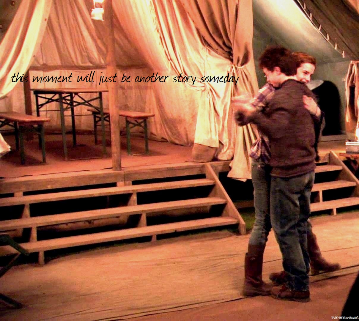 Harry_and_Hermione_dancing_inside_the_tent_05