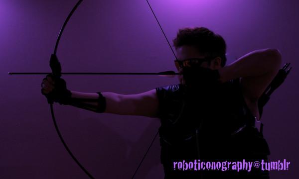 robot hawkeye 01