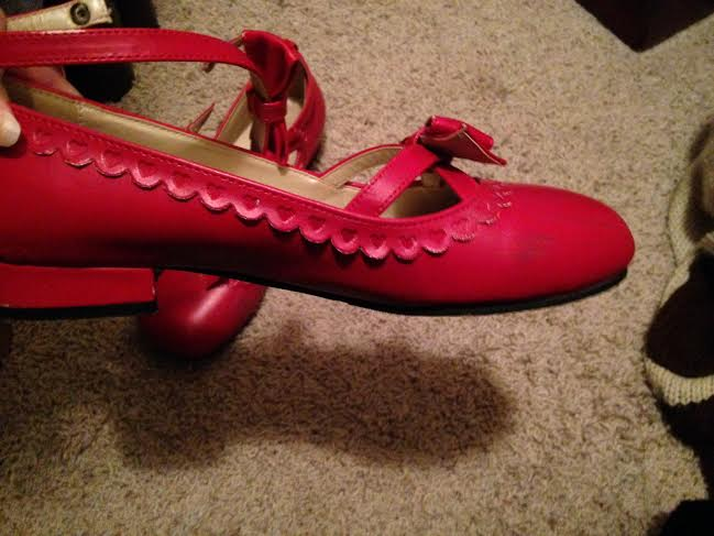 Bodyline Heels (Red) 02 Scuff on Right Shoe