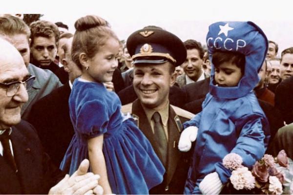 Почему Советский Союз был передовым государством , а у России это не получается.